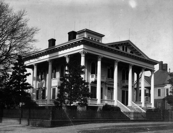 Bellamy Mansion in 1900